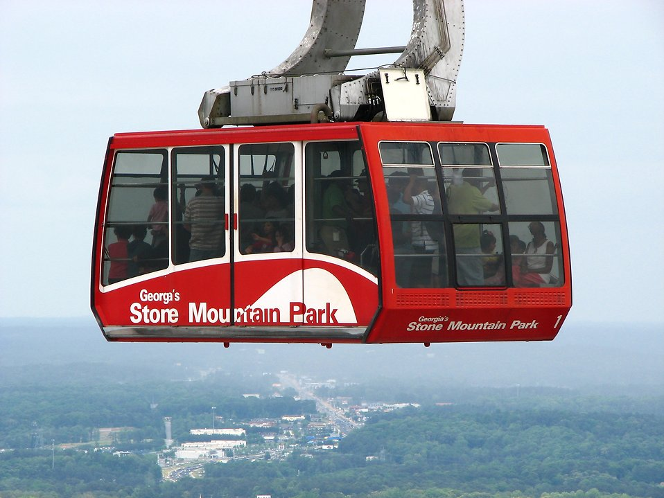 cable-car-at-stone-mountain-atlanta-date-ideas-atlanta-blogger